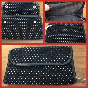 Wallet by ThirtyOne Gifts